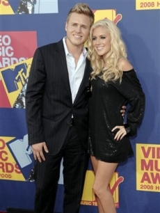 Spencer Pratt and Heidi Montag pose for VMA press