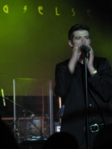 Robin Thicke performing at the Toronto Film Festival