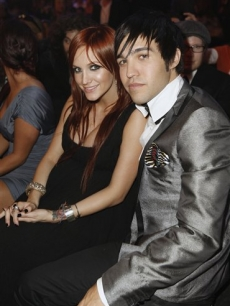 Pete Wentz and Ashlee Simpson in the audience at the 2008 VMAs