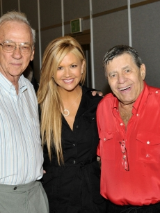 Nancy O'Dell, her father and Jerry Lewis at the MDA Telethon