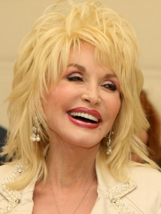 Dolly Parton promotes her new musical, &#8216;9 to 5&#8217; 