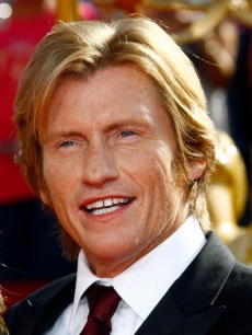 'Rescue Me' star Denis Leary poses on the Emmy red carpet