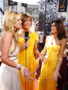 Nancy, Mariska and Teri light up the red carpet