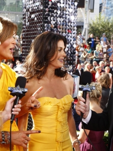 Nancy O'Dell, Mariska Hargitay, Teri Hatcher and Billy Bush at the Emmys