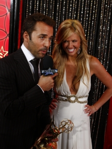 Jeremy Piven and Nancy O'Dell backstage at the 2008 Emmys