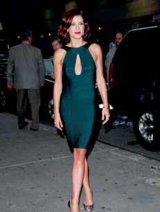 Kate Walsh visits the 'Late Show with David Letterman' at the Ed Sullivan Theatre
