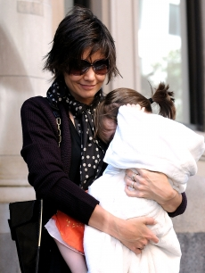 Katie Holmes and Suri step out in Manhattan, October 7, 2008