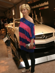 Jenna Elfman get some car-ma at Mercedes-Benz Fashion Week
