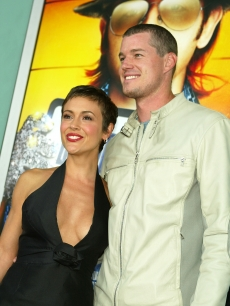 Alyssa Milano poses with then-boyfriend, Eric Dane at the &#8216;Dickie Roberts&#8217; premiere, &#8216;03 