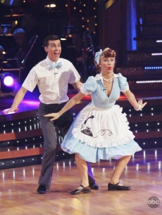 Cody Linley and Julianne Hough dance the jitterbug in week 5 of competition
