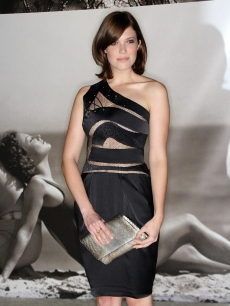 Mandy Moore attends the Vanity Fair Portraits- Photographs 1913-2008 opening party