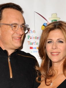 Tom Hanks and Rita Wilson pose on the red carpet