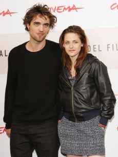Robert Pattinson and Kristen Stewart at the &#8216;Twilight&#8217; photocall at the Rome Film Festival