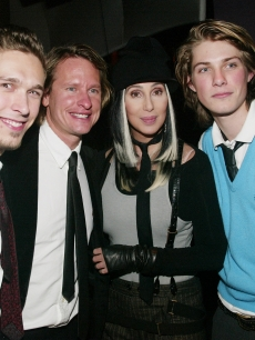 Isaac Hanson, Carson Kressley, Cher and Taylor Hanson at a premiere, 2003