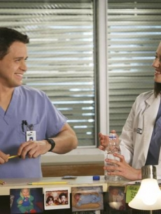 "Dr George O'Malley (T.R. Knight) and intern Lexie Grey (Chyler Leigh) on ""Grey's Anatomy"""