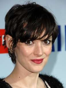 Winona Ryder at the 'Milk' premiere in LA (Nov. 13, 2008)