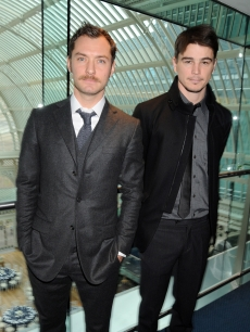 Jude Law and Josh Hartnett attend the reception for the Evening Standard Theatre Awards 2008 at the Royal Opera House