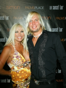 Linda Hogan and boyfriend Charley Hill in Las Vegas in May 2008