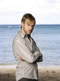 Dominic Monaghan plays Charlie Pace