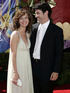 Lisa Sheridan and Ron Livingston share a moment