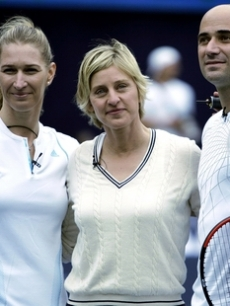 Ellen poses with Andre Agassi and Stefi Graf