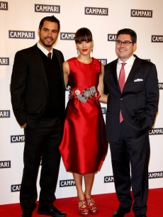 Cash Warren, Jessica Alba and Bob Kunze-Concewitz, Campari CEO, attend the Campari Club, 2009 Campari Calendar launch