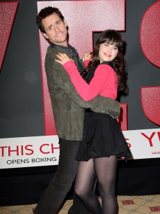Jim Carrey and Zooey Deschanel attend a photocall for 'Yes Man' at Claridges Hotel in London