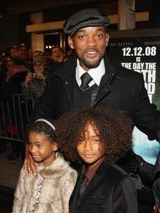 Will Smith with Willow Smith and Jaden Smith at 'The Day The Earth Stood Still' Premiere in NYC