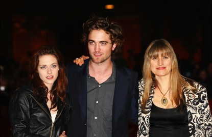 Kristen Stewart, Robert Pattinson and director Catherine Hardwicke attends the 'Twilight' premiere in Rome