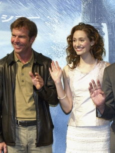Director Roland Emmerich, Emmy Rossum, Dennis Quaid (2L) and Jake Gyllenhaal (L) attend a press conference to promote 'The Day After Tomorrow' on May 31, 2004
