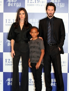 Jennifer Connelly, actors Jaden Smith and Keanu Reeves attend the 'The Day The Earth Stood Still' press conference at Grand Hyatt Tokyo on December 17, 2008 in Tokyo, Japan