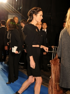 Jennifer Connelly walks on the blue carpet of the 'The Day The Earth Stood Still' Japan Premiere in Tokyo