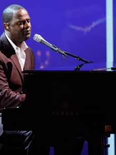 R&amp;B singer Brian McKnight