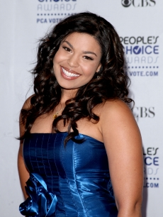 A bubbly Jordin Sparks smiles before heading into the People's Choice Awards 2009