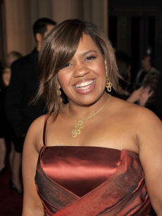 'Grey's Anatomy' star Chandra Wilson has a laugh on the People's Choice Awards 2009 red carpet