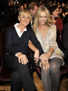 Ellen DeGeneres and Portia de Rossi in their seats at the 2009 People's Choice Awards