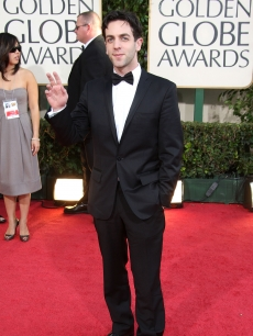 'Office' star B.J. Novak waves hello from the Globes red carpet