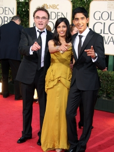 'Slumdog Millionaire' director Danny Boyle and stars Dev Patel and Freida Pinto on the Globes red carpet