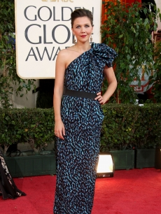 Maggie Gyllenhaal arrives at the 66th Annual Golden Globe Awards
