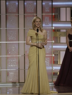 Laura Linney wins Best Actress for 'John Adams' at the Globes