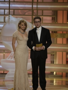 Elizabeth Banks and a slender Seth Rogen present at the Golden Globes
