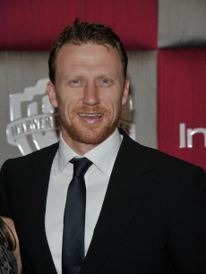 Kevin McKidd from 'Grey's Anatomy' takes in a post-Golden Globes party