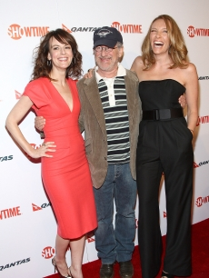 Rosemarie DeWitt, executive producer Steven Spielberg and actress Toni Collette arrive at the premiere of Showtime's 'United States of Tara' at the DGA Theater in LA