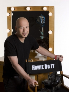 Howie Mandel on the set of 'Howie Do It'