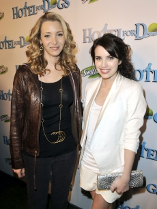 Lisa Kudrow and Emma Roberts arrive at the premiere of DreamWorks & Nickelodeon's 'Hotel for Dogs'