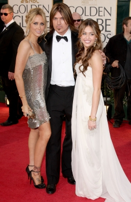 Tish, Billy Ray and Miley Cyrus make it a family affair on the Globes red carpet