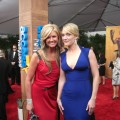 Red and blue on the SAG red carpet — Nancy and Kate Winslet