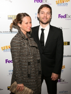 Tobey Maguire and wife Jennifer Meyer attend the Artists And Athletes Alliance red carpet event at Inaugural Honors ServiceNation