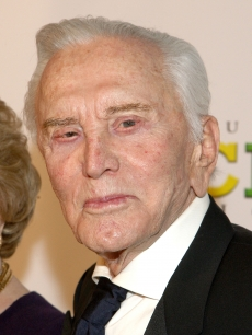 Kirk Douglas arrives at the 20th Annual Producers Guild Awards held at the Palladium on January 24, 2009 in Hollywood, California
