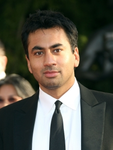 'House' star Kal Penn hits the red carpet at the SAG Awards